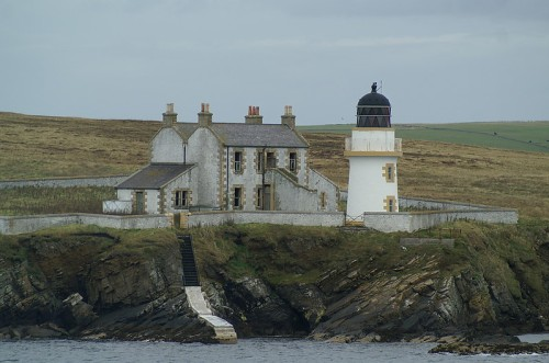 Orkney islands / Helliar Holm Lighthouse (Image source: courtesy of World of Lighthouses)